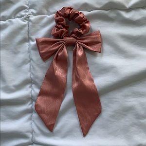 Forever 21 Bow Scrunchie